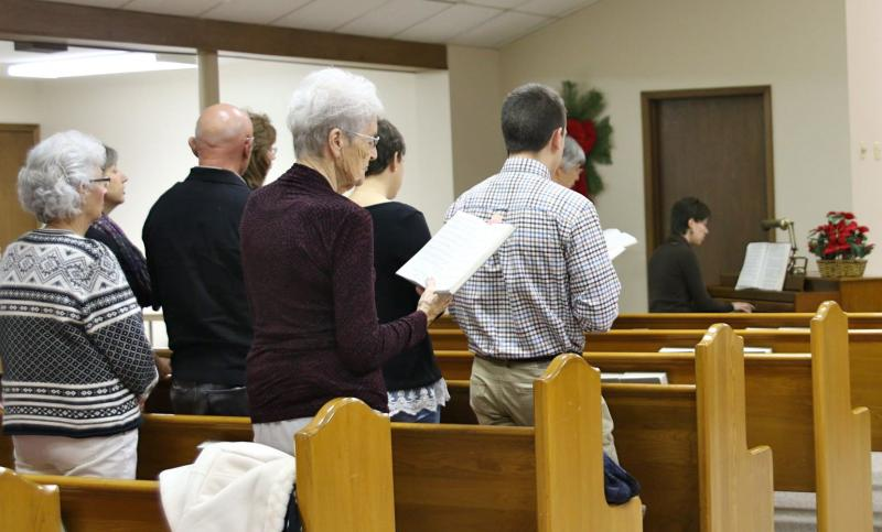 Hoisington Bible Church worship service